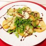 Salada de Pera com molho de gorgonzola
